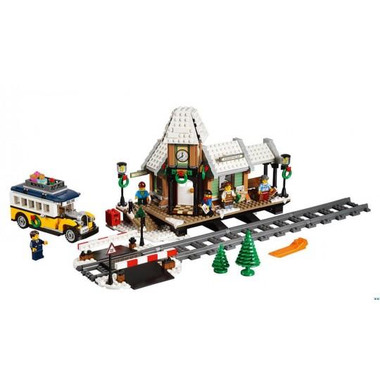 Конструктор LEPIN 36011 «Зимняя железнодорожная станция»